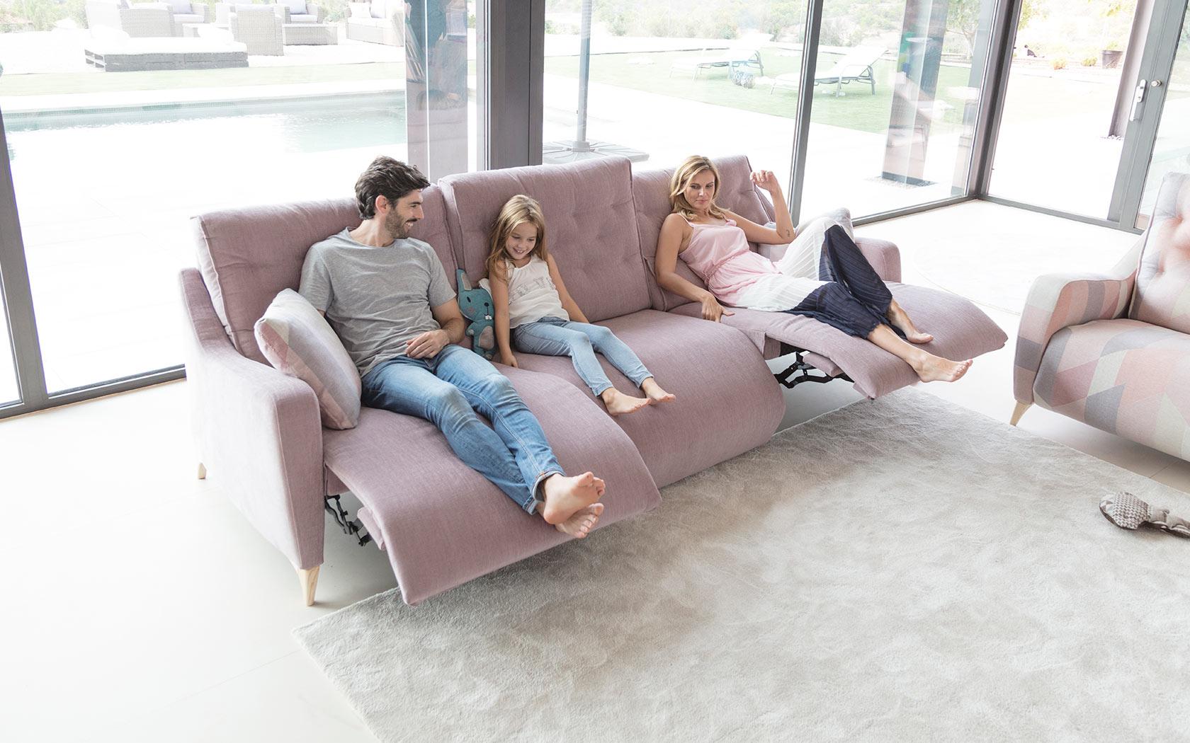 modern sectional sofa montreal