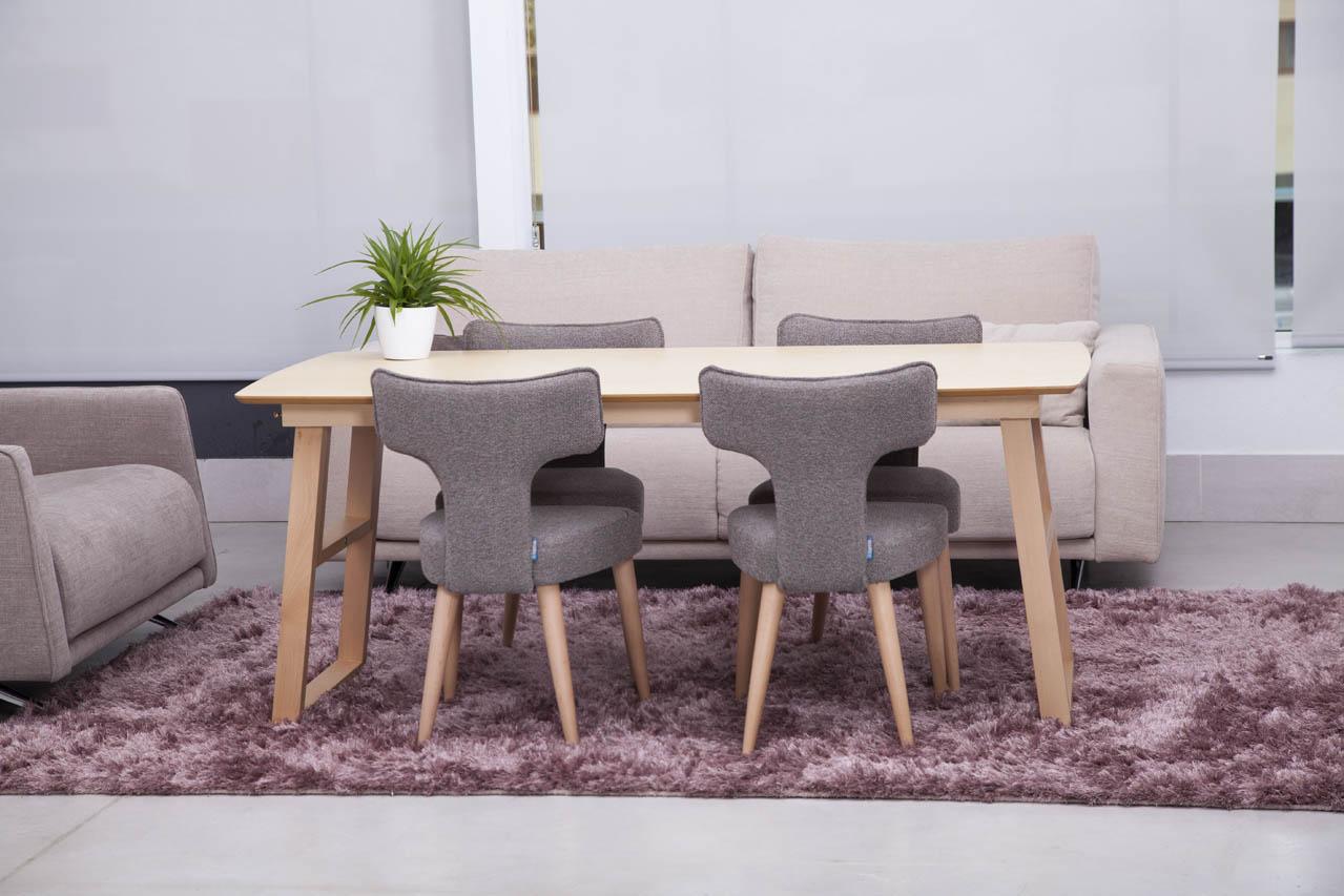 Modern European table Quebec